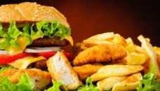, Fast food, più ce ne sono più aumenta il rischio CV