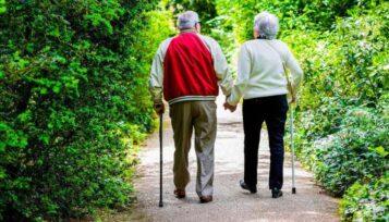 Anziani Camminare